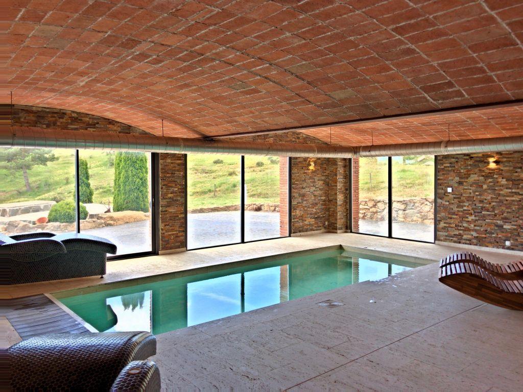 ferienhaus mit innenpool in spanien rural sant marc. Black Bedroom Furniture Sets. Home Design Ideas